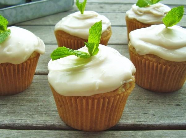 vegan vanilla chia cupcakes