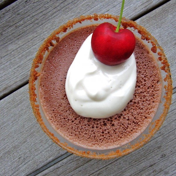 frozen chocolate cream pie martini
