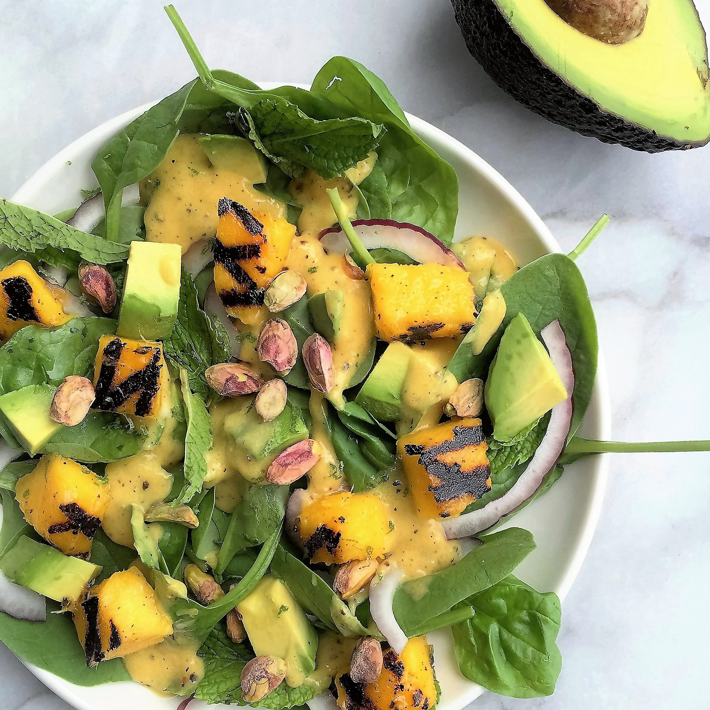 grilled mango and spinach salad with avocado