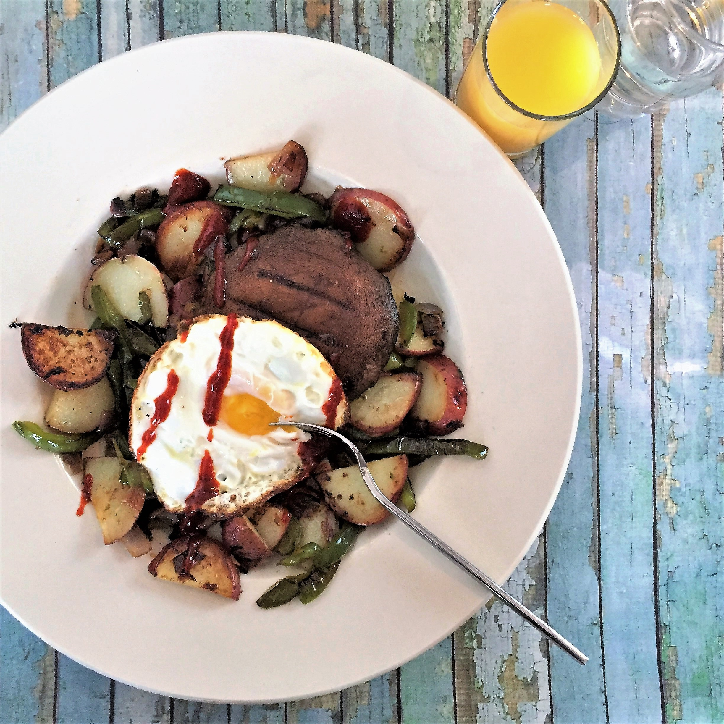 "pan-grilled portabella ""steak"" & egg & veggie hash"
