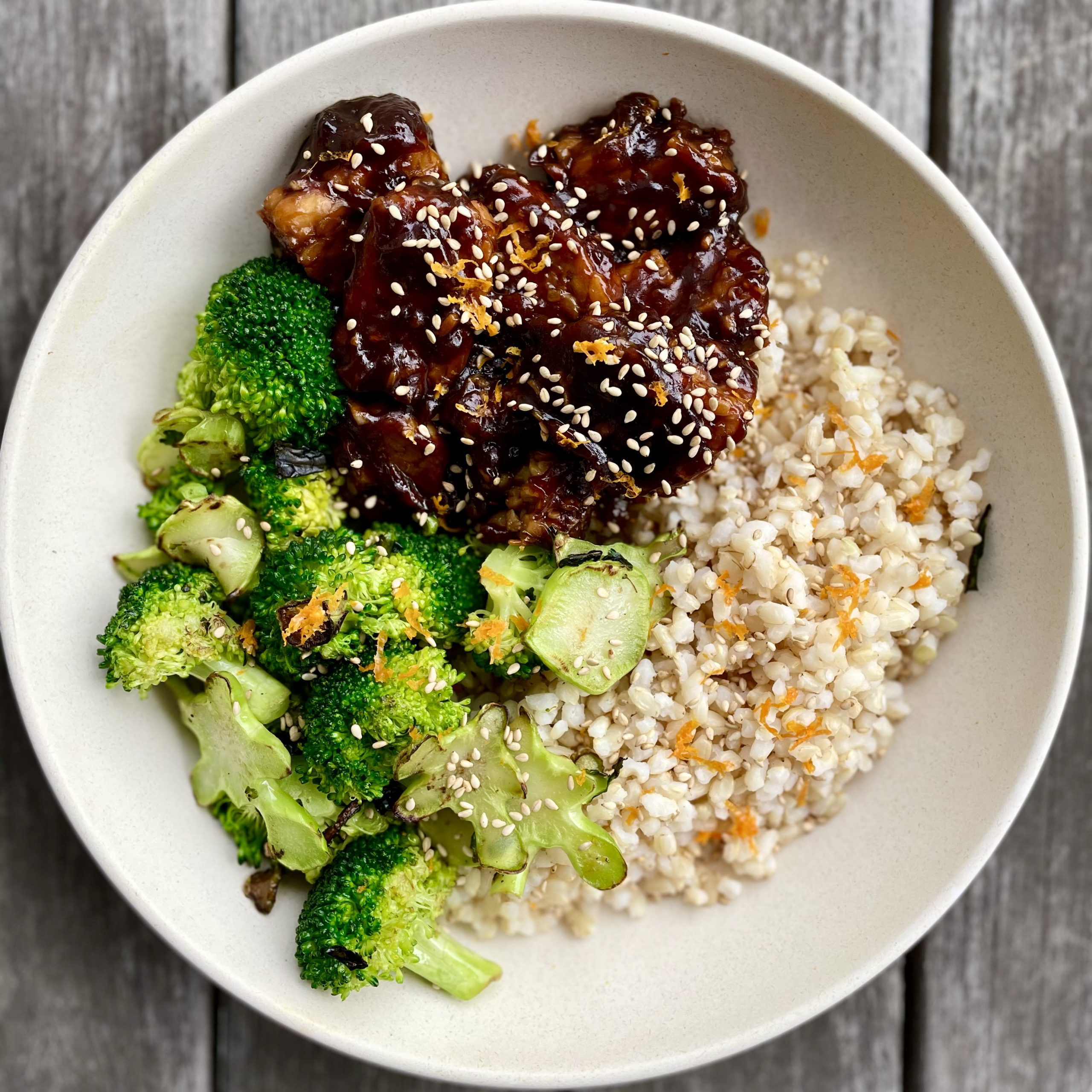 general tso's-inspired tempeh with broccoli florets & stems